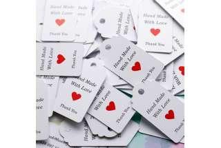 Картонная бирка - визитка изделия.